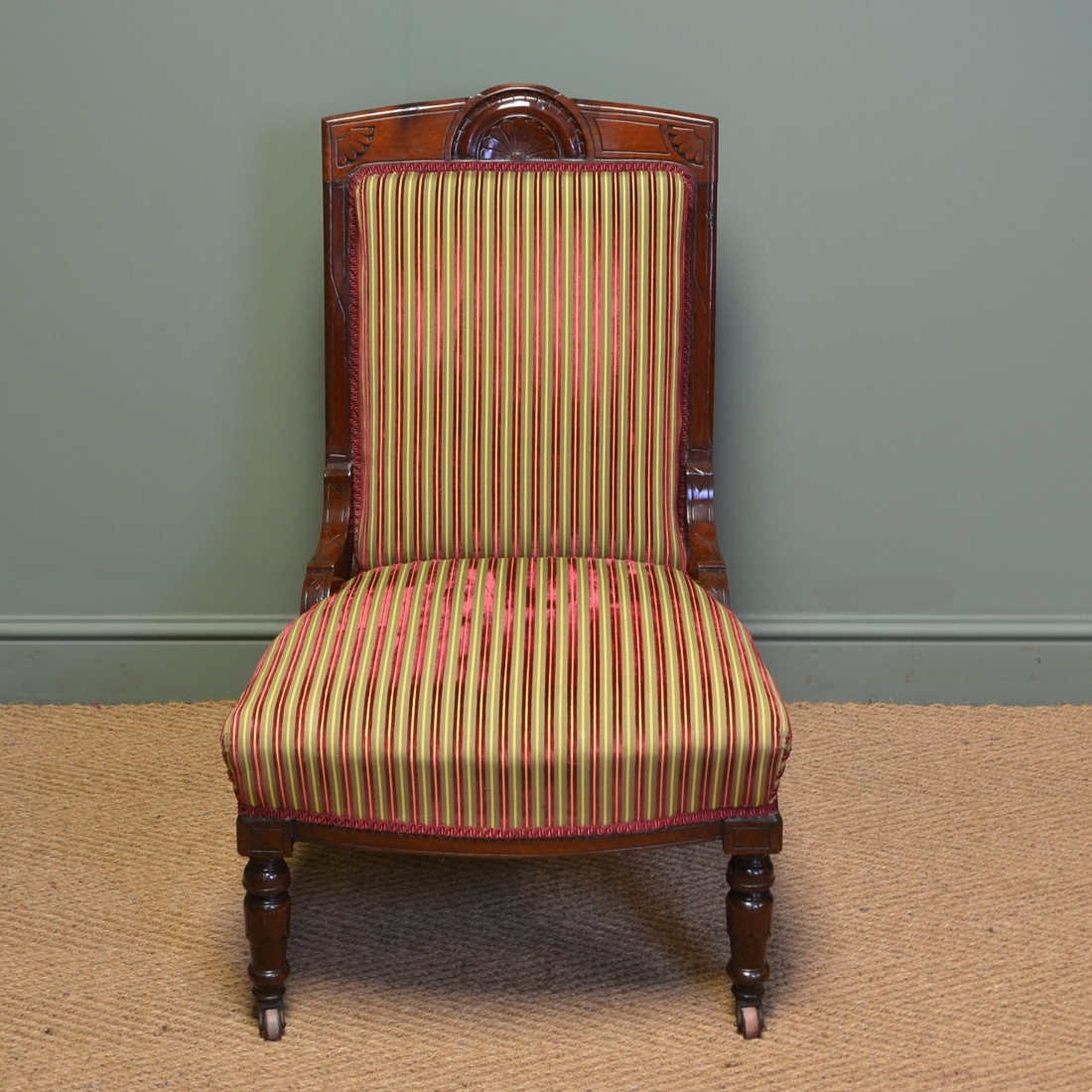 Striking Victorian Walnut Upholstered Antique Ladies Chair - Striking Victorian Walnut Upholstered Antique Ladies Chair