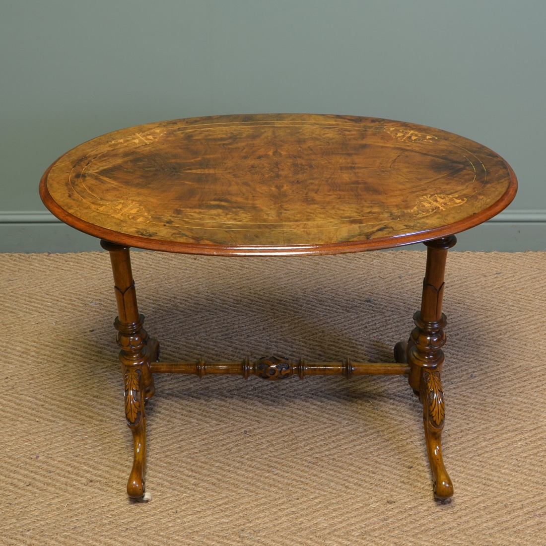 Beautifully figured victorian antique walnut oval for Walnut side table