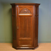 Superb Quality Gillows Antique Victorian Oak Hall Wardrobe