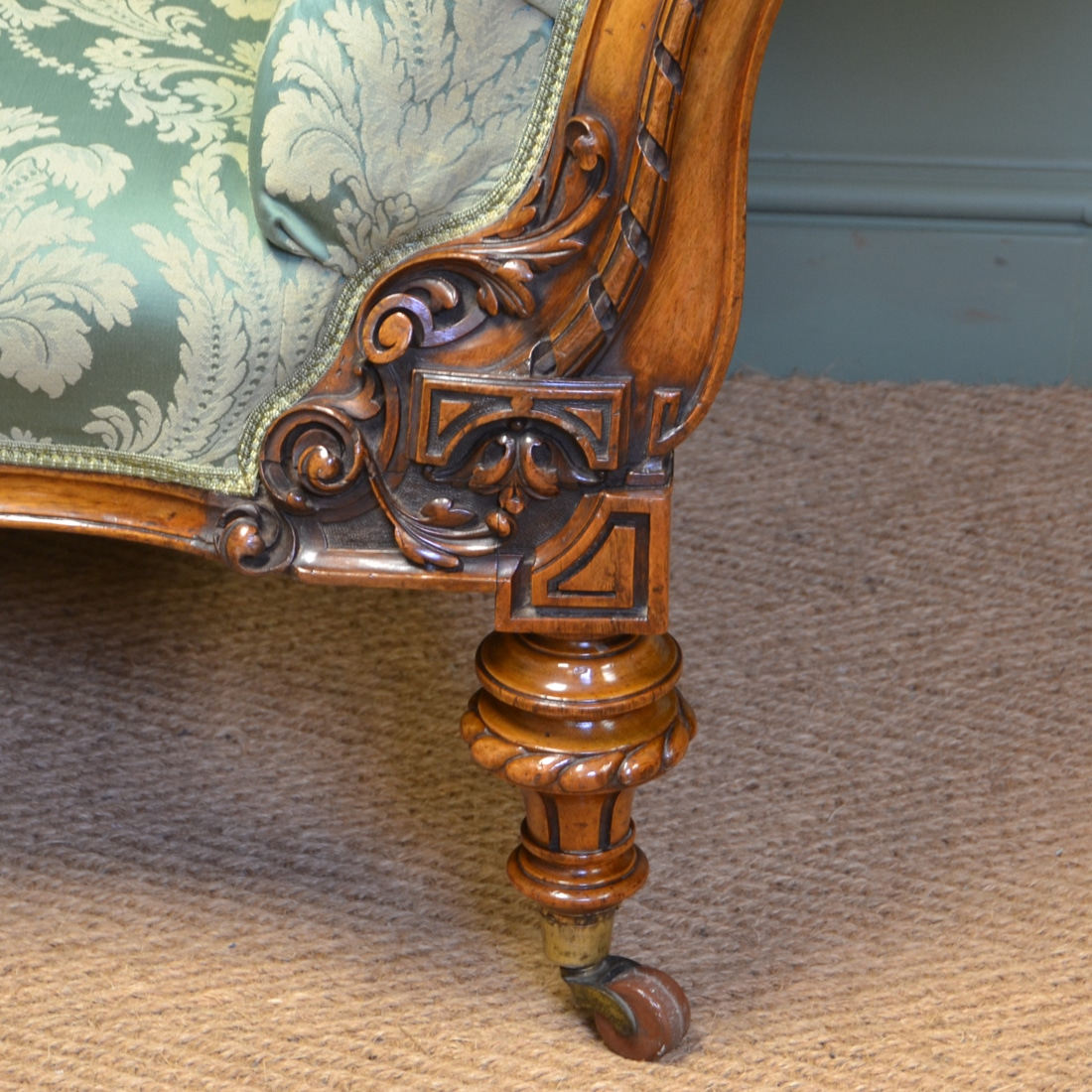 High Quality Large Victorian Walnut Antique Settee Sofa Antiques World