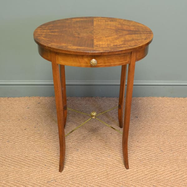 Elegant Figured Walnut Oval Antique Victorian Occasional / Lamp Table