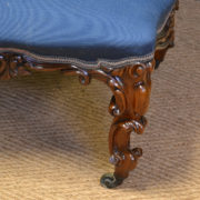 Fine Quality Victorian Walnut Antique Small Settee