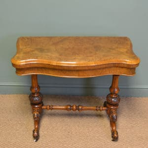 Fine Quality Victorian Figured Walnut Antique Card / Games Table