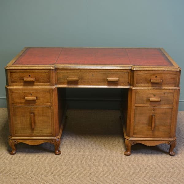 Superb Quality Stylish Art Deco Oak Antique Pedestal Desk