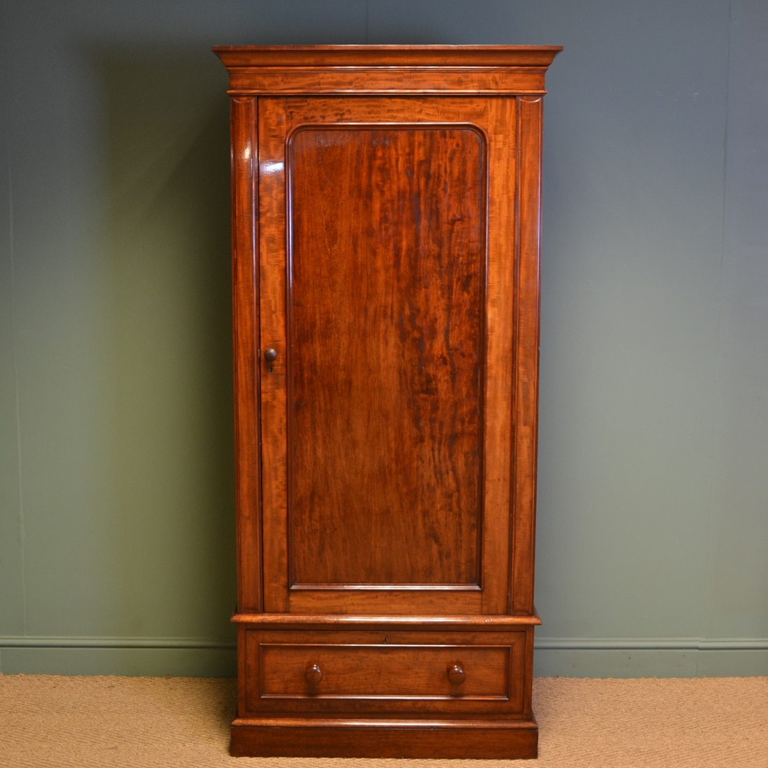 Furniture Large Solid Wooden Victorian Wardrobe With Single Hanging Wardrobe And Drawers