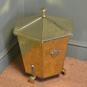 Stunning Victorian Polished Lidded Brass Coal Scuttle / Log Holder