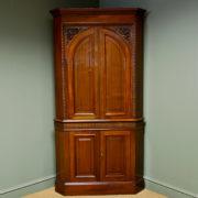Magnificent Quality Victorian Walnut Antique Floor Standing Corner Cupboard