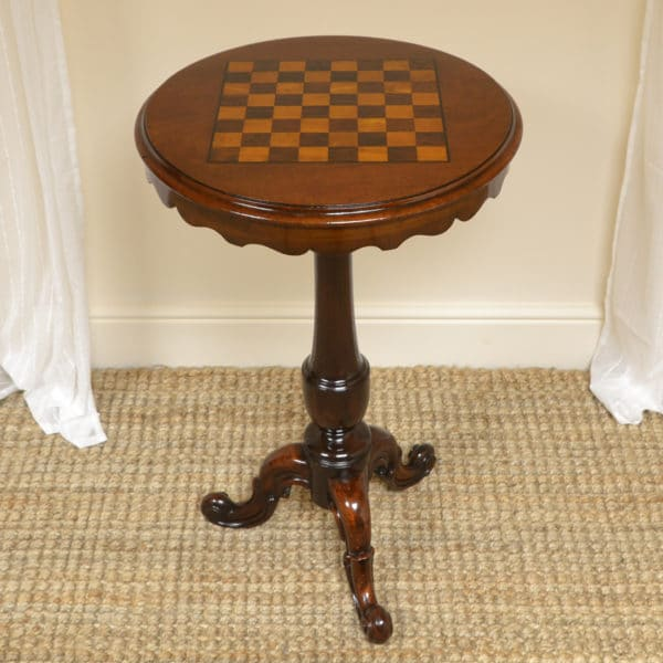 High Quality Victorian Mahogany Antique Drafts Table / Chess Table
