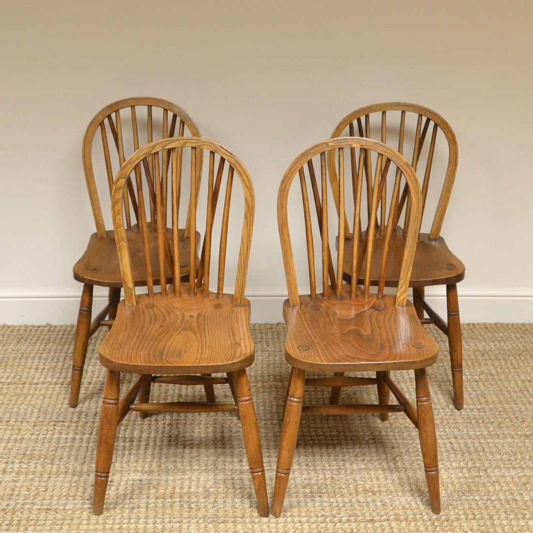 Four Country House Kitchen Elm Antique Windsor Chairs Antiques World
