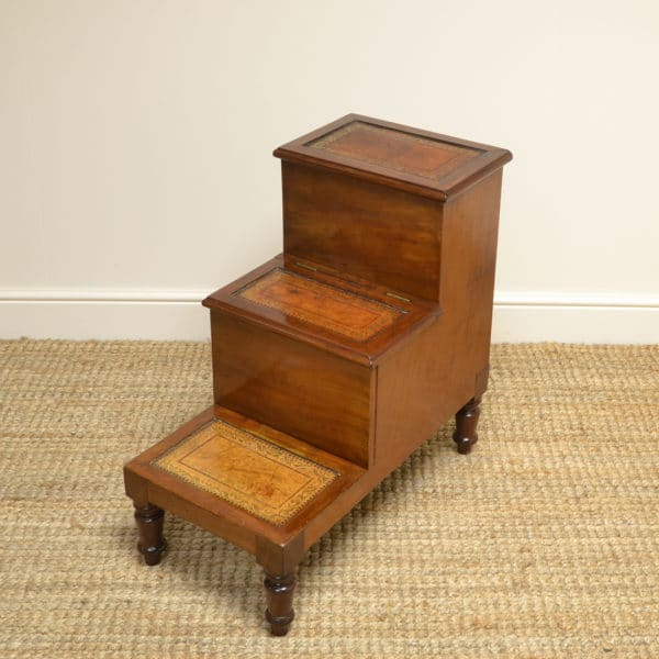 Stunning Victorian Mahogany Antique Library Steps / Bed Steps